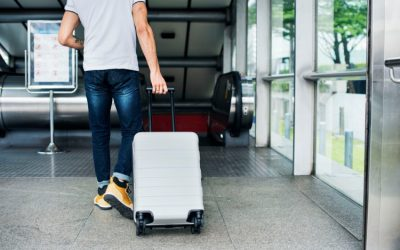 Illustrative Guide to Locking Checked Baggage on International Flights