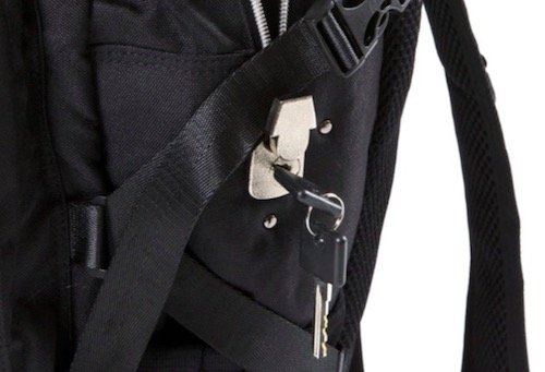 Omerta The Transporter backpack review keyed lock