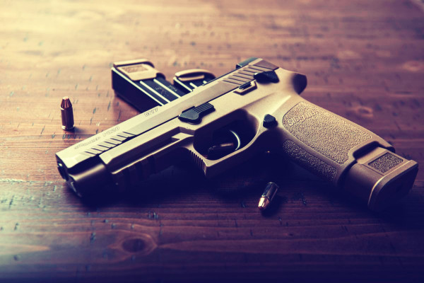 5 Best Quick Access (Nightstand) Gun Safes • 2021 Reviews
