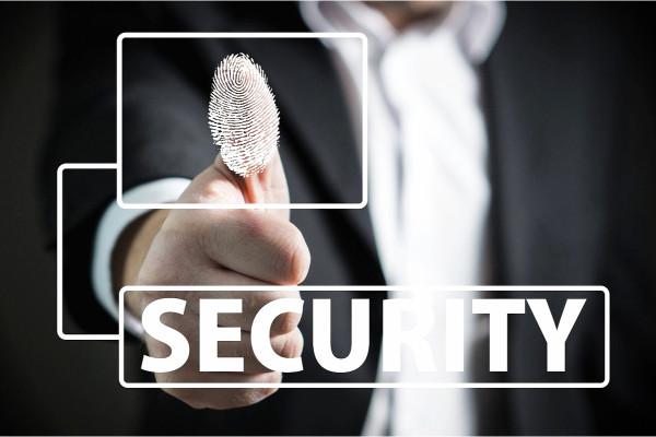 Top 5 Best Small Biometric Handgun Safes – [2020 Reviews]