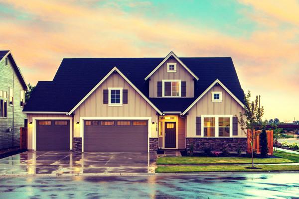 Top 5 Most Secure Garage Door Openers • [2020 Buyer's Guide]